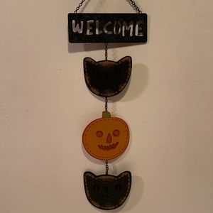 NWT HANGING HALLOWEEN WELCOME SIGN.